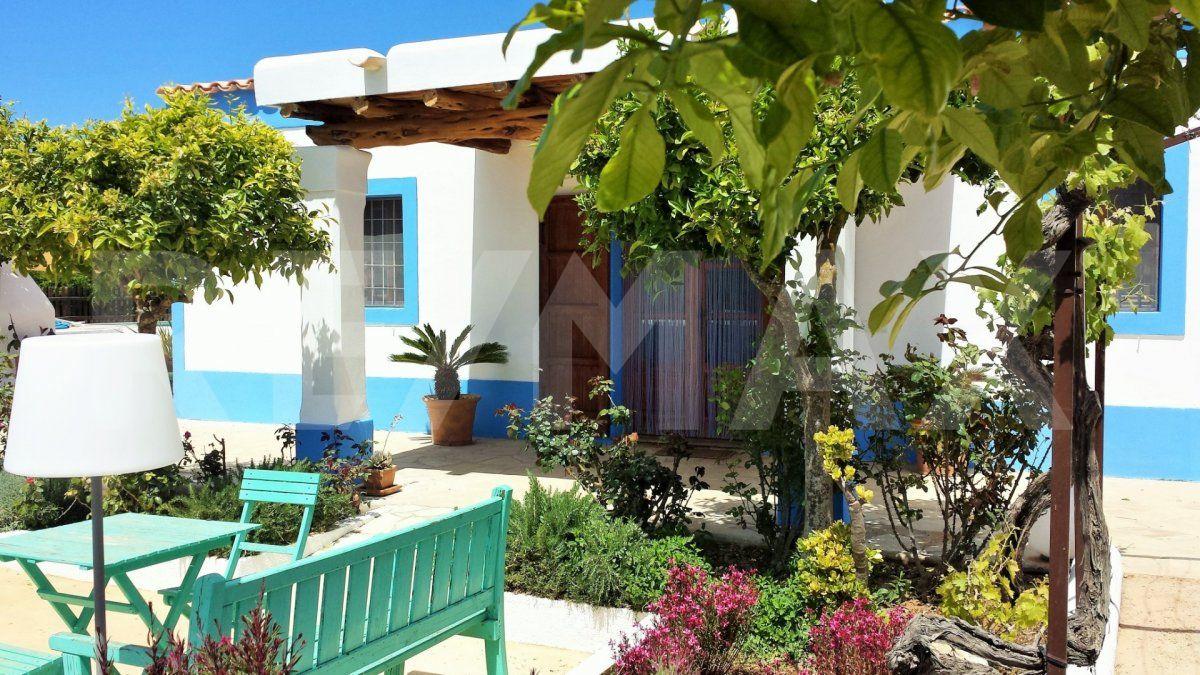 Rental House  Sant joan de llabritja ,san lorenzo. Acogedora vivienda en plena naturaleza alquiler temporada