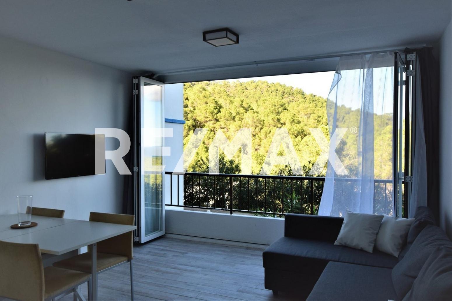 Piso en Sant Joan de Labritja. Apartamento recién reformado vistas mar y monte.  disfrutar de