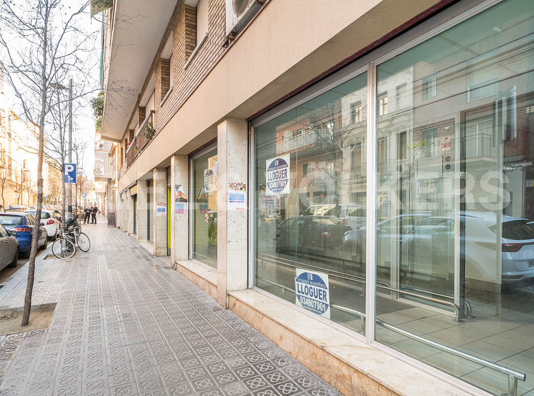 Rent Building in Les Corts