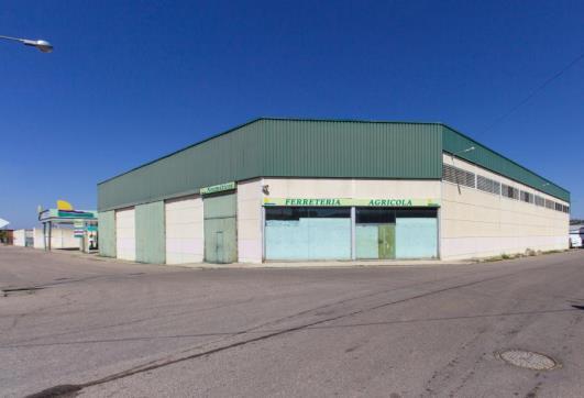 Industrial building in Malpica de Tajo. Nave industrial en venta en malpica de tajo (toledo) capitán sán