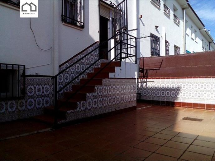 Foto 2 de Casa adosada en Calle Camilo Jose Cela / Yuncler