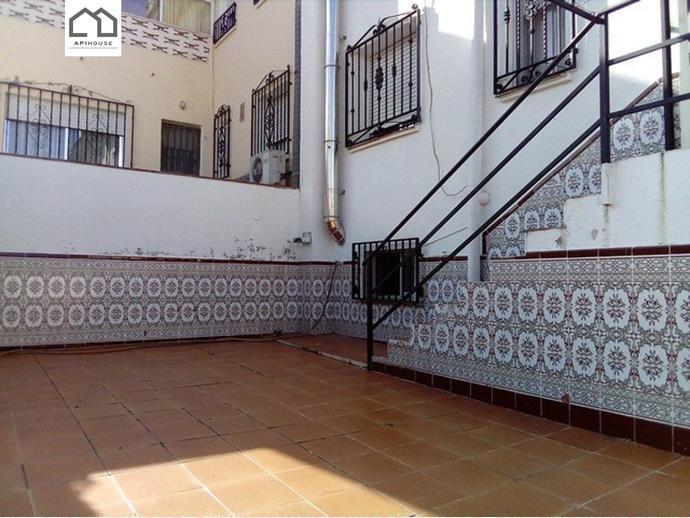 Foto 3 de Casa adosada en Calle Camilo Jose Cela / Yuncler