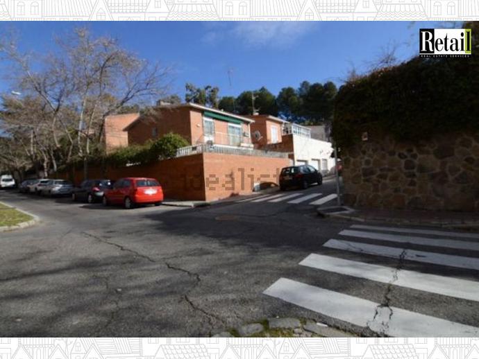 Foto 2 de Chalet en Calle Alamarza / Pinar del Rey,  Madrid Capital