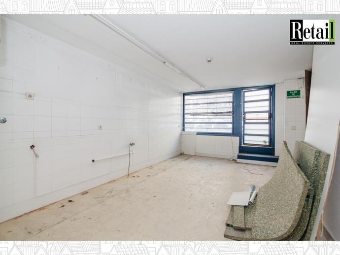 Foto 9 de Local comercial en Tetuán - Almenara / Almenara,  Madrid Capital
