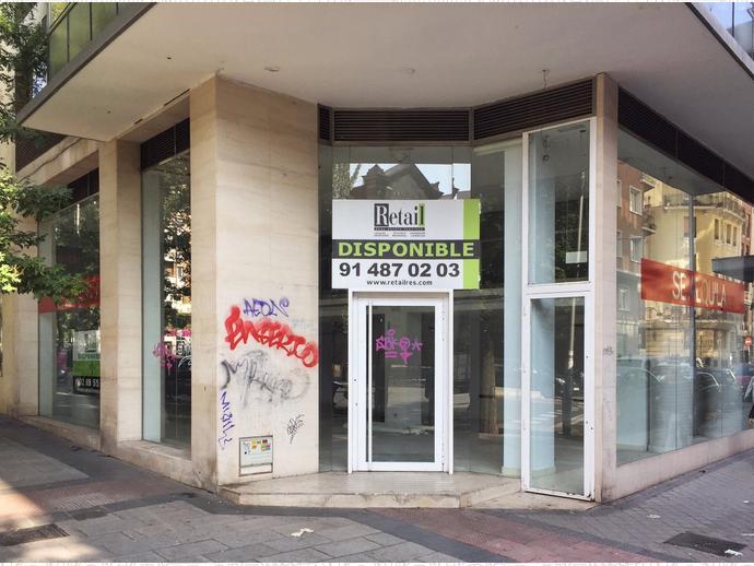 Foto 1 de Local comercial en Calle San Bernardo / Trafalgar,  Madrid Capital
