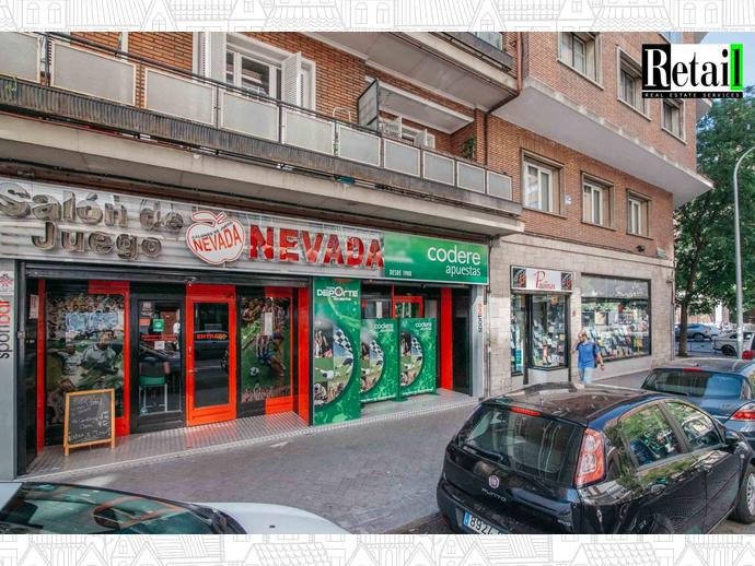 Foto 2 de Local comercial en Calle San Bernardo / Trafalgar,  Madrid Capital