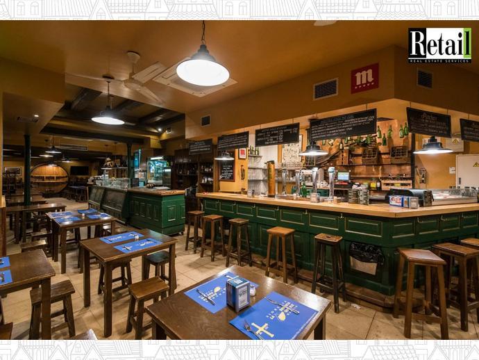 Foto 1 de Local comercial en Calle Angel / Palacio,  Madrid Capital