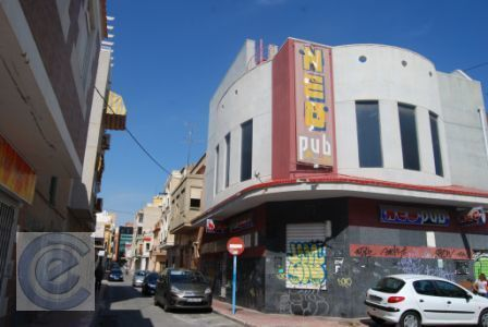 Edificio in Playa del Cura. Edificio en 3 plantas