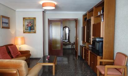 Apartamento en venta en Avenidad Alfonso de Rojas, 3, Altozano - Conde Lumiares
