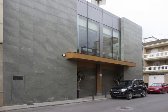 Local Comercial  Calle trinidad, esq.calle nules, 16. Edificio comercial en venta, de dos plantas,  situado en la call