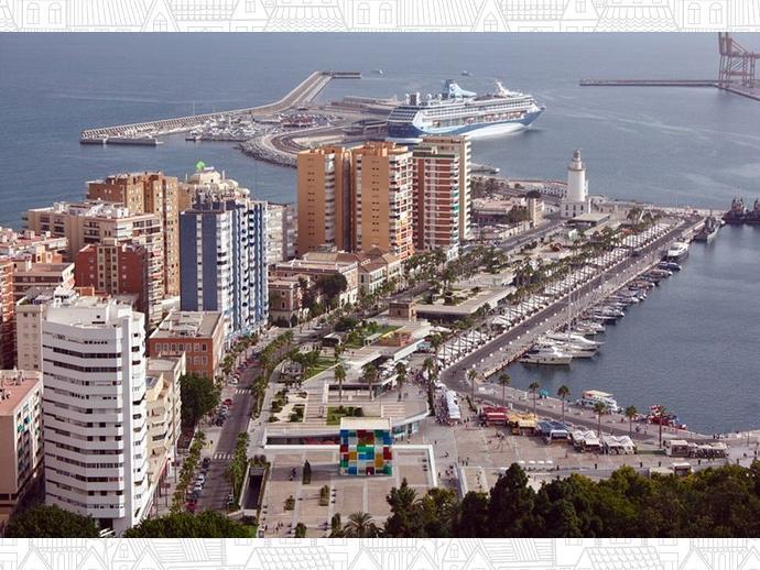 Foto 18 de Piso en  Cervantes / La Malagueta - La Caleta, Málaga Capital