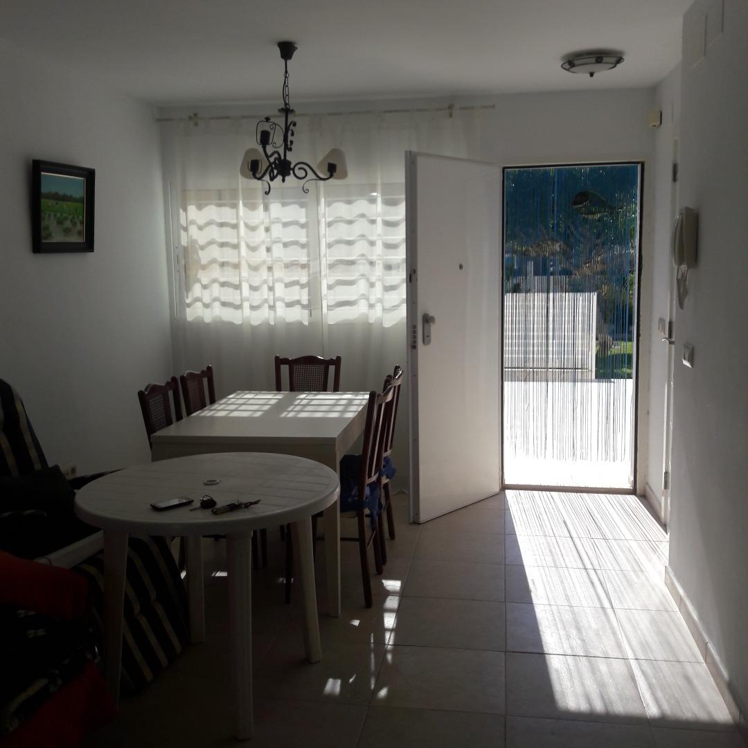 Lloguer Casa  Sagunto. Se alquiladosado esquinero, en urbanización situado en playa mal