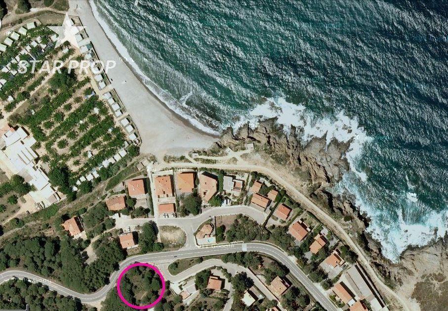 Solar urbano en Port de la Selva (El). Terreno en port de la selva al lado de la playa y con vistas al