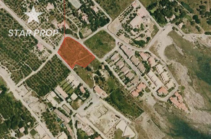Solar urbano en Cadaqués. Parcela en caials (cadaqués)  extensa parcela edificable con vis