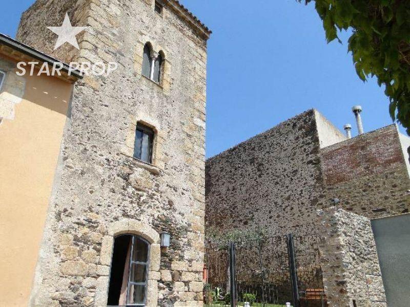 Haus in Espolla. Torre del s xiv en el centro del empordà una propiedad exclusiva