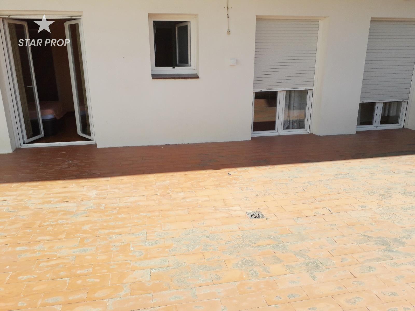 Alquiler Piso  Port llança. Disponible de setiembre a junio piso en llançá de 70m² con terra