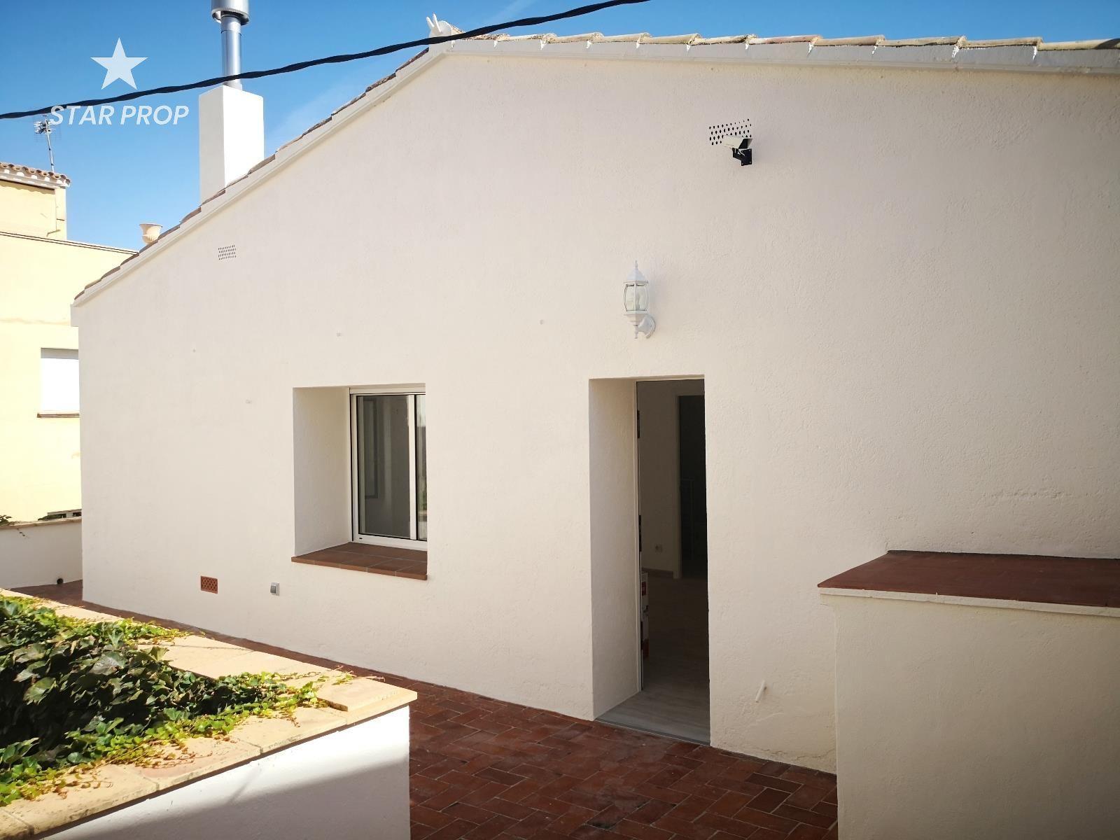 Alquiler Piso  Vila llança. Se alquila precioso y confortable apartamento totalmente reforma