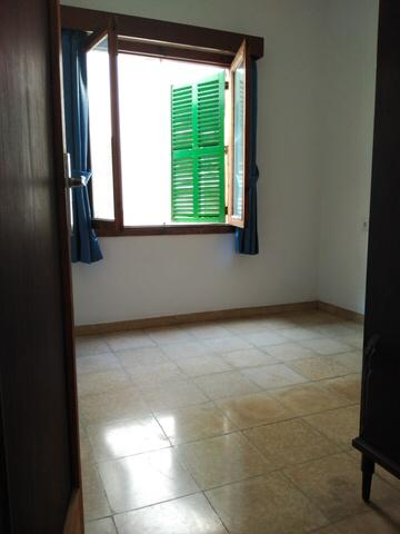 Flat  Calle malaga. Piso muy luminoso de 3 habitaciones , ideal para inversores.