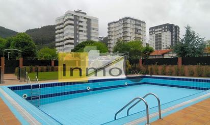 Plantas intermedias en venta con piscina en Bakio
