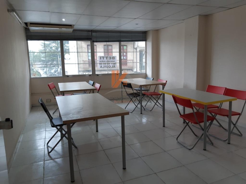 Foto 3 de Oficina en venta en Ensanche - Sar, A Coruña