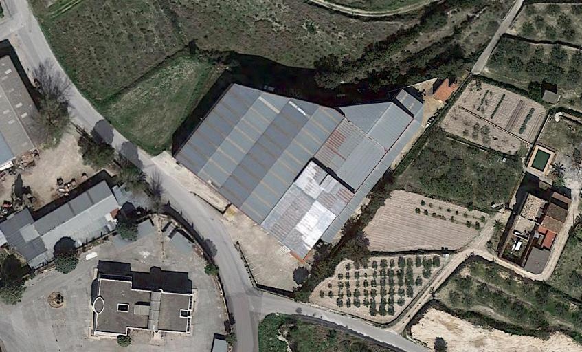 Capannone industriale  Poligono industrial polígono industrial el tosal. calle albaida. Se vende nave industrial en el polígono industrial el tossal, l'