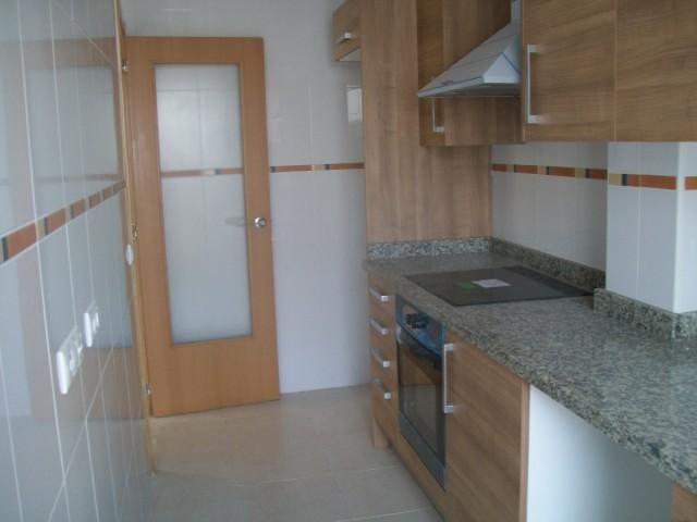 Rental Flat  Calle valencia, 11. Se alquila ático de 96 m2, de 3 habitaciones, 2 baños, balcón y