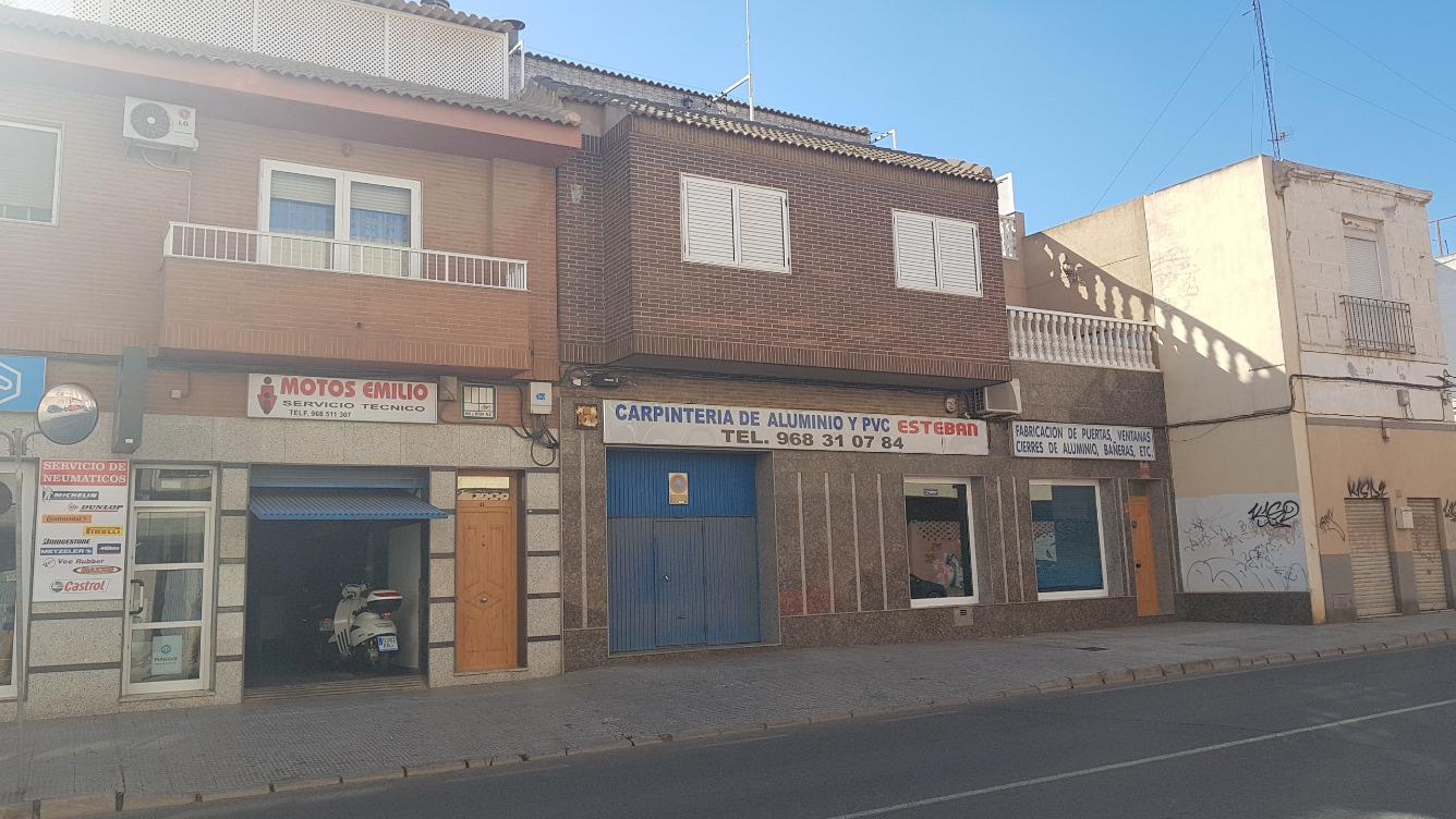 Edificio  Avenida colon, 43. Oportunidad de adquirir un edificio compuesto por local comercia