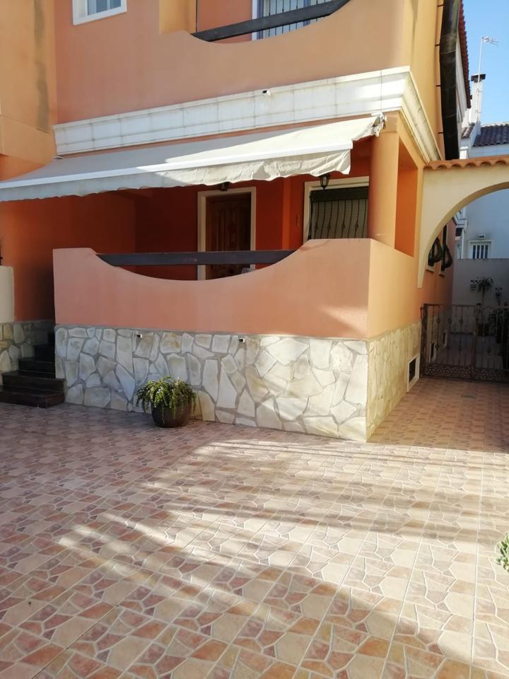 Lloguer Casa  Calle retiro. Alquiler  casa / chalet,pareado se encuentra en calle retiro, 03