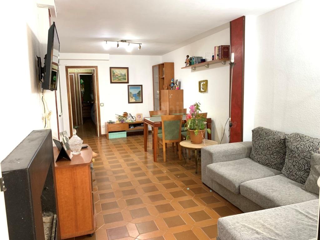 Piso  El poblenou, pineda de mar, pineda de mar, barcelona, españa. Apartamento con piscina a una calle de la playa!!