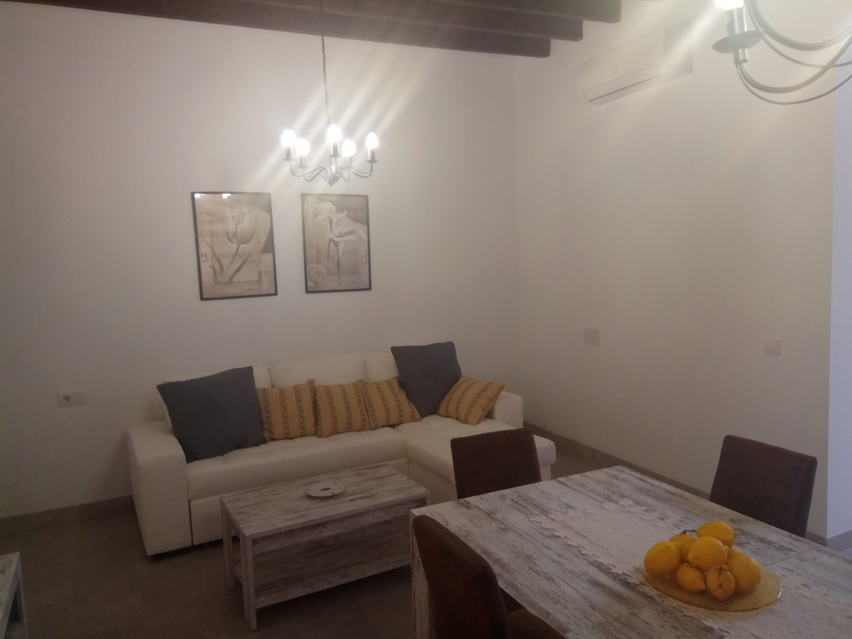 Location Maison  Calle c/valents. Se alquila preciosa casa rústica totalmente reformada en alcudia