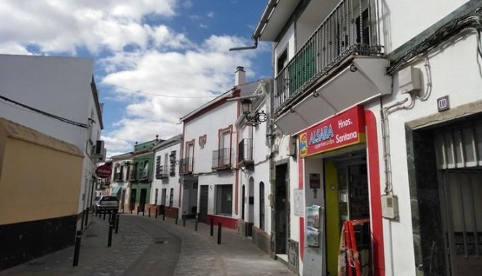 Foto 1 de Piso en venta en Carrión de los Céspedes, Sevilla