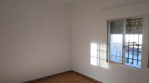 Foto 2 de Piso en venta en Carrión de los Céspedes, Sevilla