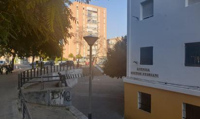 Inmuebles de LA CASA AGENCY MACARENA en venta en España