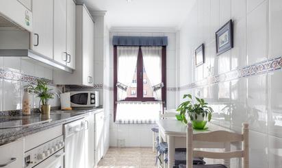Apartamento en venta en Favila, 14, Oviedo