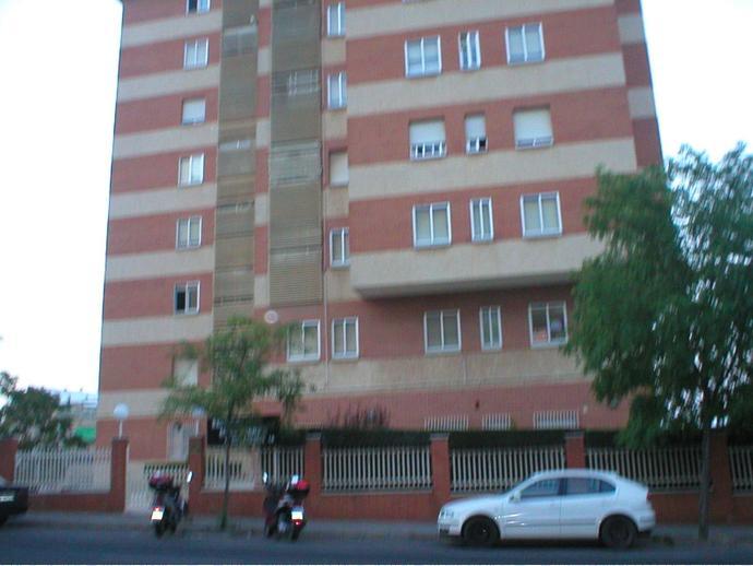 Foto 7 de Apartamento en Avenida Rodriguez De Ledesma / Ruta de la Plata, Cáceres Capital