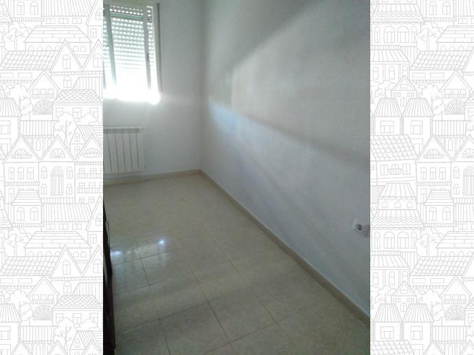 Foto 7 de Casa adosada en Calle Los Tomillos / Mejostilla, Cáceres Capital