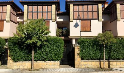 Casa adosada en venta en Herrikosoro, Zarautz