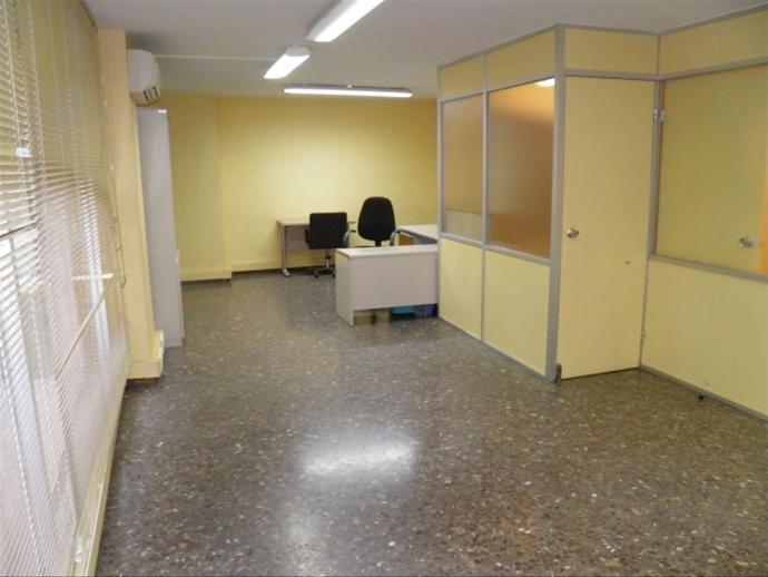 Foto 2 de Oficina de alquiler en Fort Pienc, Barcelona