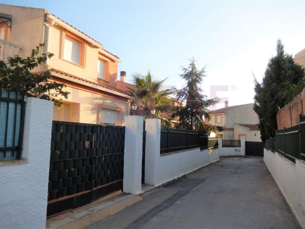 Alquiler Casa  Urbanización mont-ros, náquera, valencia, españa. Compra o alquiler con opción a compra de chalet con piscina (urb