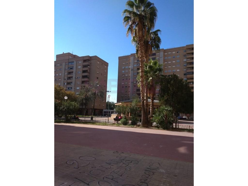 Lloguer Aparcament cotxe  La llum, l'olivereta, valencia, valencia, españa. Se vende plaza de garaje en plaza de alquería nova