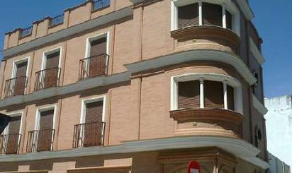 Edificio de alquiler en San Pablo - Santa Justa
