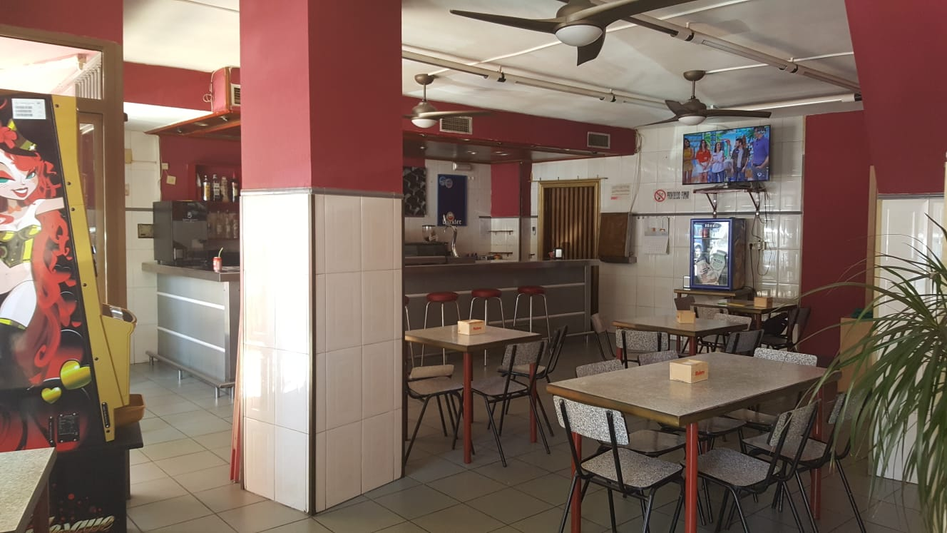 Traspaso Local Comercial  Calle camino san jose. Bar -cafetería en castellon  zona cruz roja