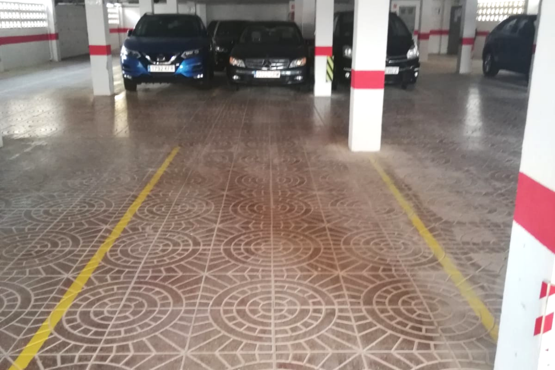 Autoparkplatz  Calle calle del bovetar, 39. Plaza de garaje con mando, buena ubicación en playa de miramar