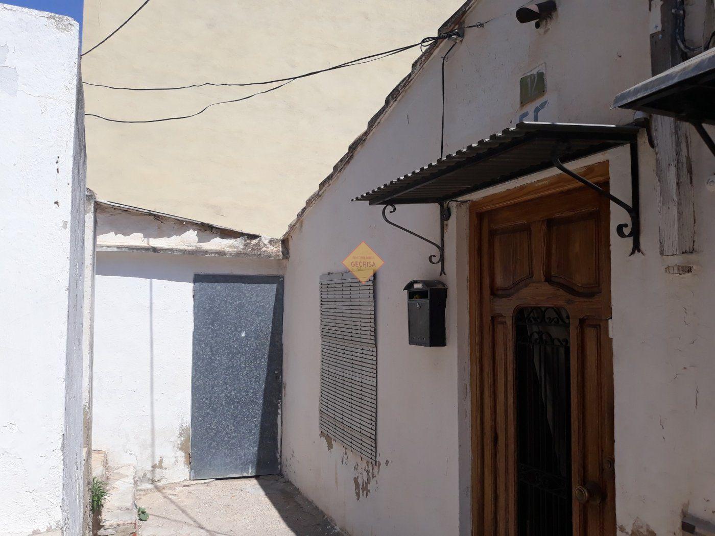 Casa  Burjassot ,santa gema. Oportunidad casa independiente o solar para construir