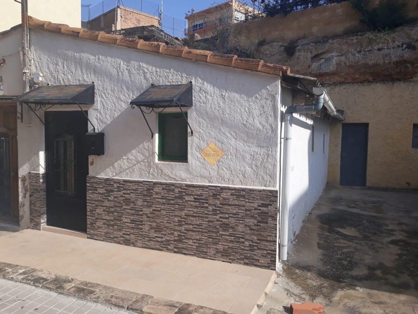 Solar urbà  Burjassot ,santa gema. Parcela de tres viviendas juntas con 12 metros de fachada