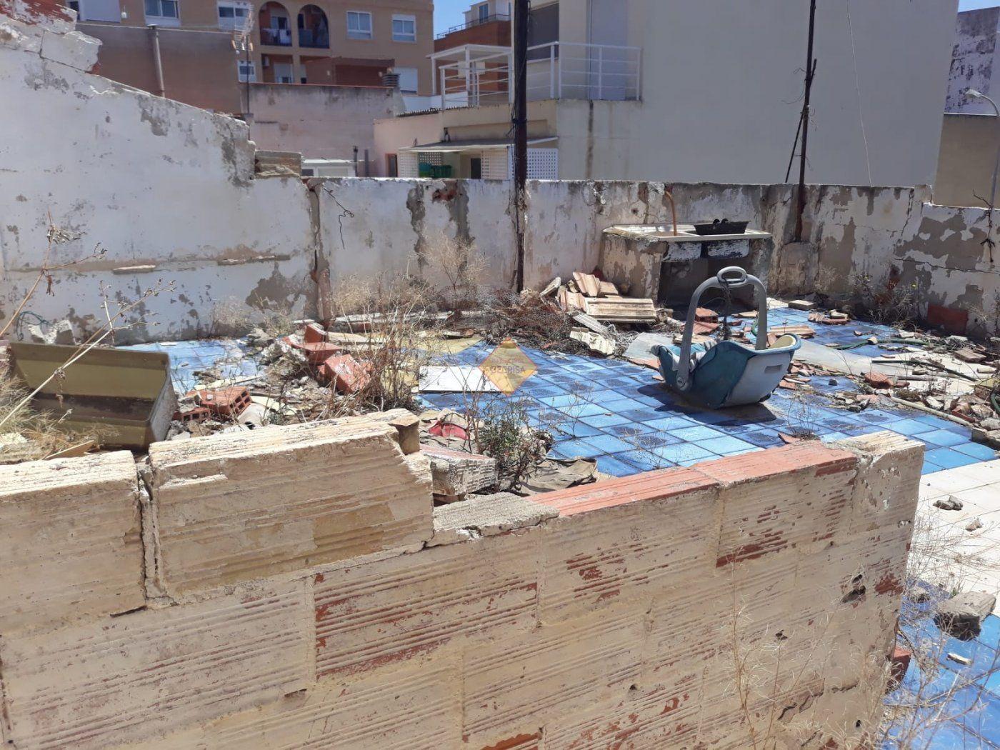 Solar urbano  Burjassot ,santa gema. Casa solar para reformar o nueva construcción