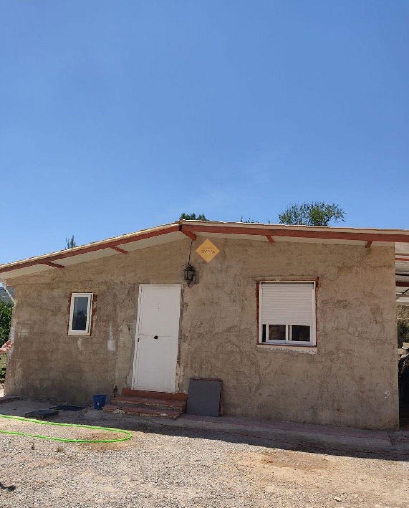 Casa  Chelva ,chelva/los serranos. Chalet rustico en chelva