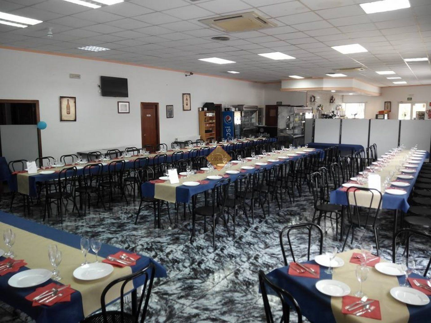 Traspàs Local Comercial  Paterna ,poligono industrial fuente del jarro. Excelente bar restaurante totalmente equipado
