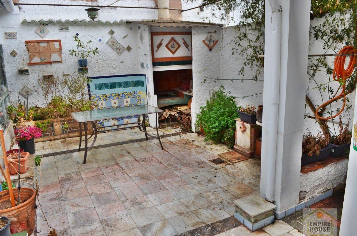 Casa  Calle baron de sta. barbara. Godella/casa