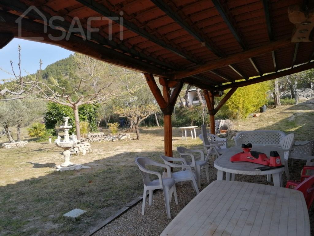 Casa  Benifallim, benifallim, alicante, españa. Casa unifamiliar de pueblo con jardín privado de más de 1.000 me